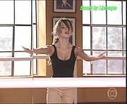 Sandy sensual na serie Sandy e Jr