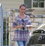 http://img214.imagevenue.com/loc246/th_95744_Jennifer_Love_Hewitt_leaves_a_friends_house_in_Los_Angeles_20090327_08_122_246lo.jpg