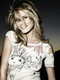 Heidi Klum white top is painted on Foto 607 (Хайди Клум белый верх изображено на Фото 607)