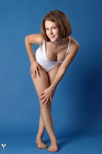 http://img214.imagevenue.com/loc886/th_364893534_tduid300163_silver_angels_Sandrinya_I_whiteswimwear_1_011_122_886lo.jpg