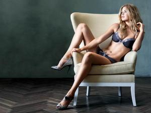 Doutzen Kroes sexy lingerie VS